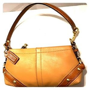 New*Gorgeous Coach Carly Leather 2 way wristlet